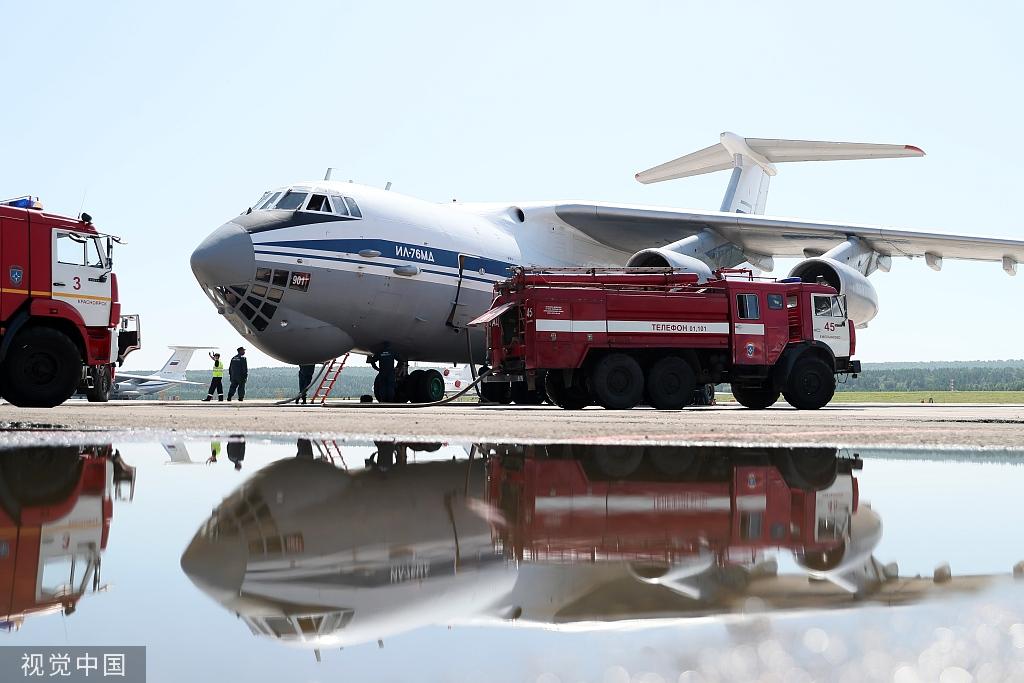 愹aiyil�9��Y��_当地时间2019年8月2日,俄罗斯克拉斯诺雅斯克市,一架ilyushin il-76m